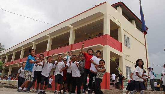 students of Marasbaras Elementary School in Tacloban City