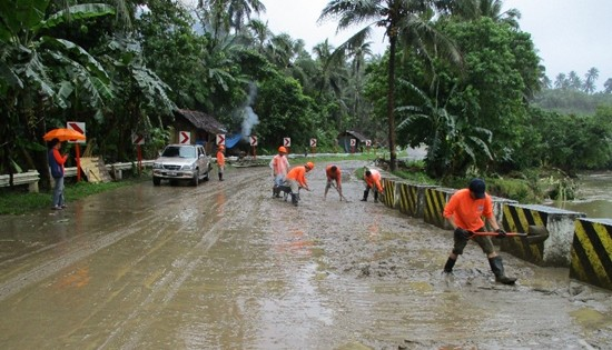 Urduja-affected road sections in Samar