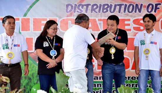 distribution of certificates of land ownership award (CLOAs) in eastern samar