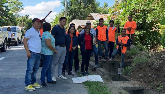 DPWH Leyte 2nd LED road maintenance team