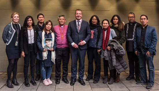 Filipino rights defenders with Iceland foreign minister