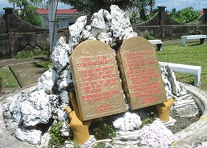 Replicas of Ten Commandments tablets in Basey